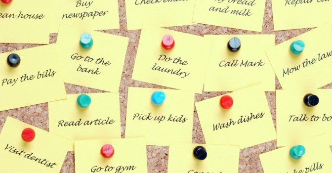 post it notes pinned of house hold chores